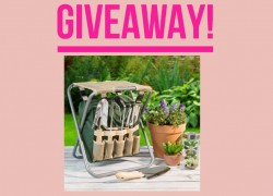 ENTER TO WIN THIS SET OF GARDEN TOOLS