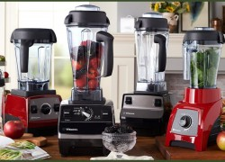 Win a Vitamix Blender and Protein Powder Superfood Bundle!!