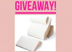 Enter to Win a $180 Luxury Pillow Set!!! Love this!!