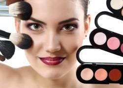 Win a Makeup Beauty Bundle!!