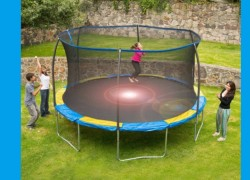 RUNNNNN! NOWWWW! 10 FOOT TRAMPOLINE ONLY $58 !