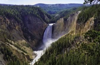 [4 WINNERS] Win a Yellowstone Vacation